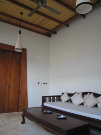 Malisa Villa Suites: entrance to bedroom