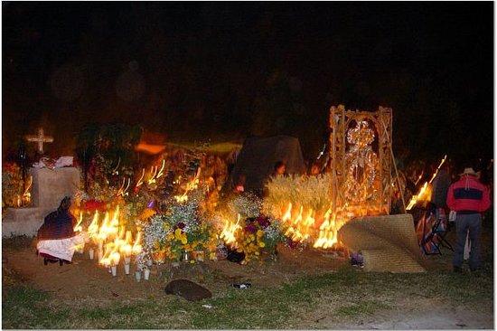 Michoacan, Meksika: Tzin Cemetary Dia de los Muertos