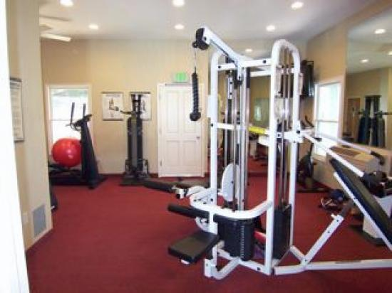 Grass Valley Courtyard Suites: Amazing work out room
