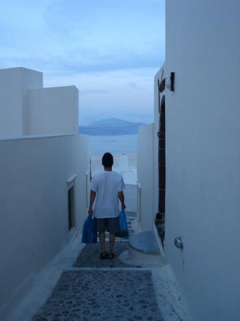 Art Maisons Luxury Santorini Hotels Aspaki & Oia Castle: Walking Path to Aspaki