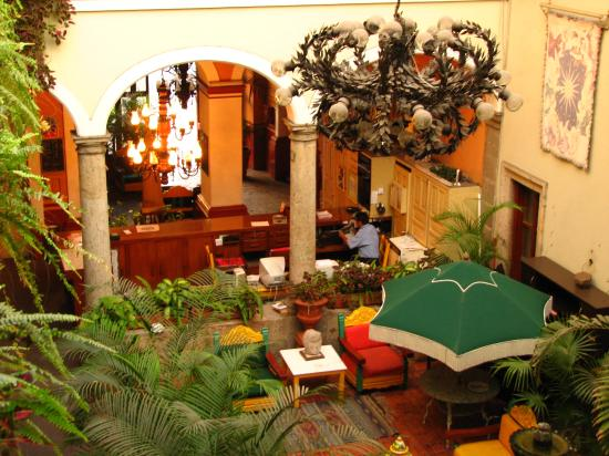 Hotel San Francisco Plaza: From above and behind the desk.