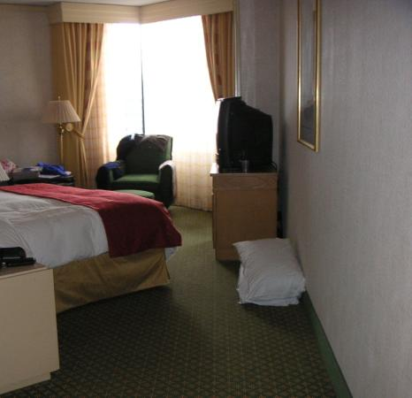 JW Marriott New Orleans: Room pic1