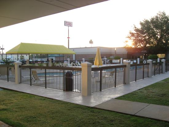 Ramada Perry Near Fairgrounds: Nice Pool