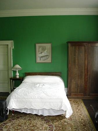 Roundwood House: Roundwood green room