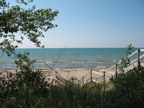 Pinery Provincial Park: One of the day-use beaches