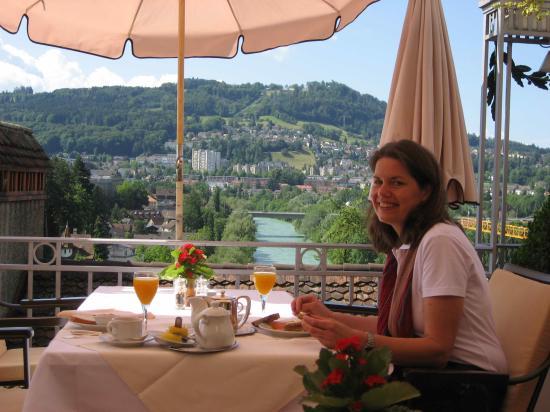 BELLEVUE PALACE Bern : Breakfast on the terrace
