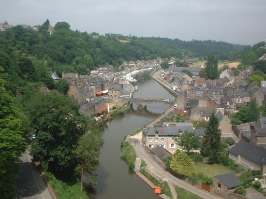 Bretagne, France : Port de Dinan