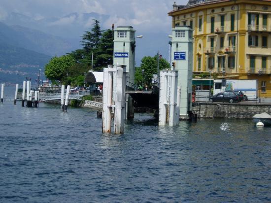 Varenna, Italien: Ferry port