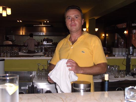 Sunny Garden Ayvan: Billy - head barman