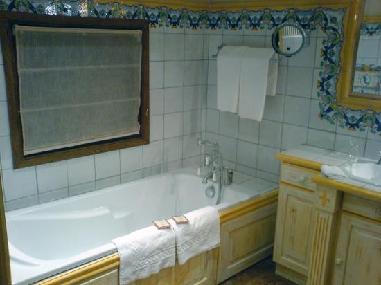 Le Saint Joseph : Bathroom