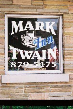 Jamestown, TN: historic Mark Twain hotel