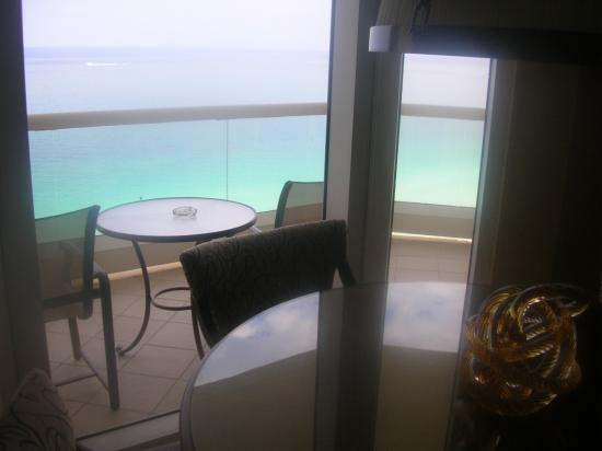 Acqualina Resort & Spa on the Beach: 25th Floor Great View