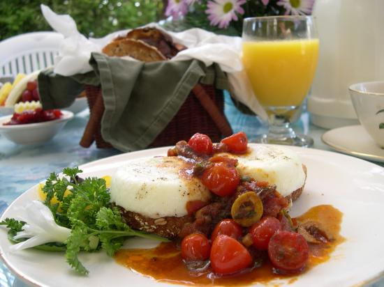 Meranova Guest Inn: Shirred Eggs with Putanesca