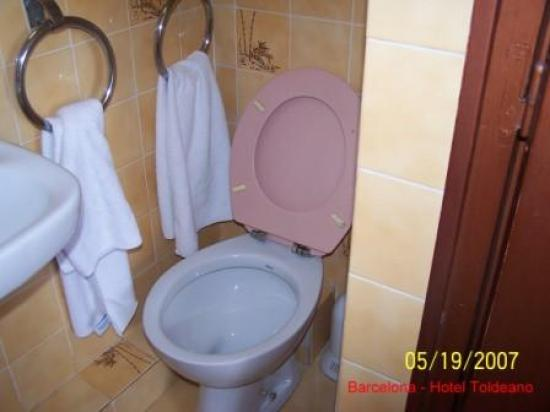 Hotel Toledano and Hostal R. Capitol: Bathroom - 3rd Floor Hotel