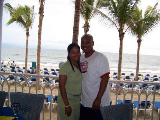 Hotel Riu Vallarta: Me and Tonya at the Flamingo Steak House