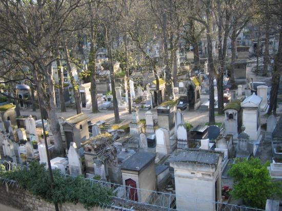 Adagio Access Paris Philippe Auguste: vista del cementerio desde la ventana