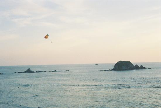 parasailing in Ixtapa