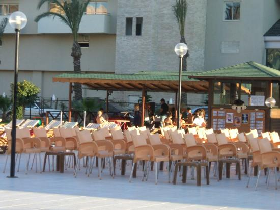 Eftalia Resort Hotel: seating for the stage show
