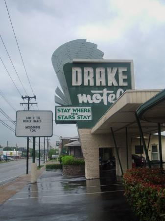 Drake Motel