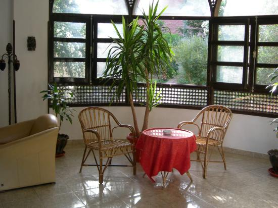 El Nakhil Hotel & Restaurant: main entrance area