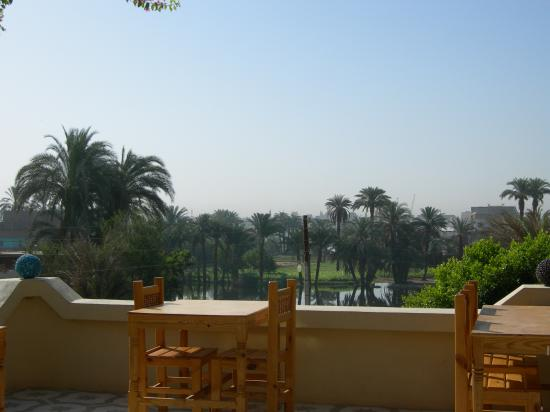 El Nakhil Hotel & Restaurant: view of Nile from outdoor eating area