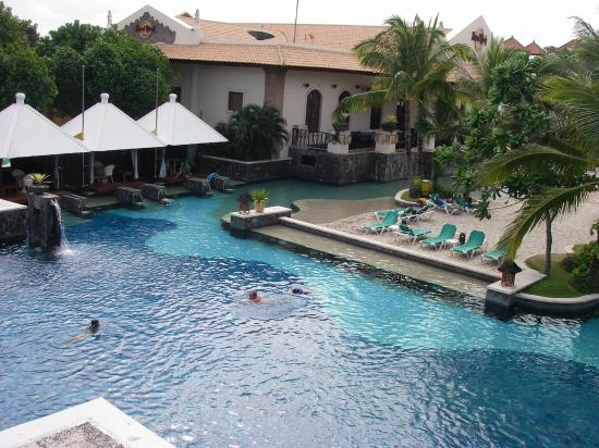 Hard Rock Hotel Bali : Lovely huge pool - this is only part of it!
