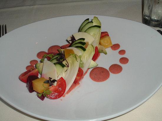 Alan Wong's Restaurant: Beet, avocado and tomato salad