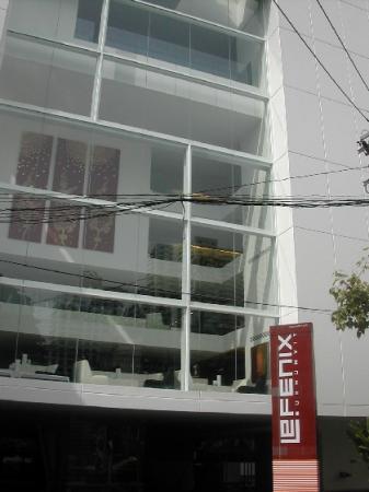 Le Fenix Sukhumvit : Exterior View