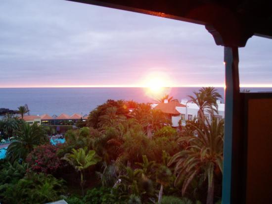 Hacienda San Jorge: Sonnenaufgang, im Vordergrund Pool und Restaurant