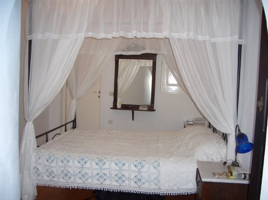 Artemis Villas: Bedroom