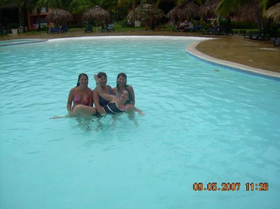Tropical Princess Beach Resort & Spa: excelente piscinas -cstchileno
