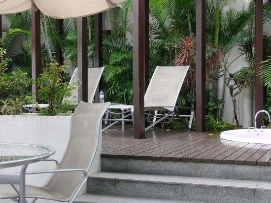 Hilton Kuala Lumpur: Outdoor Patio/Garden Area