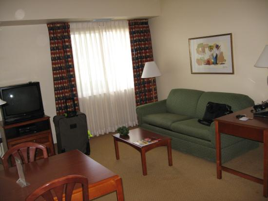 Hawthorn Suites of Naples: suite