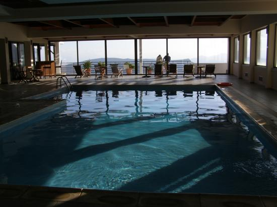 Arachova, Greece: pool area