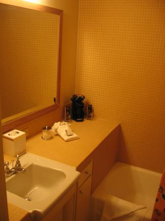 Mojave Resort: Bathroom