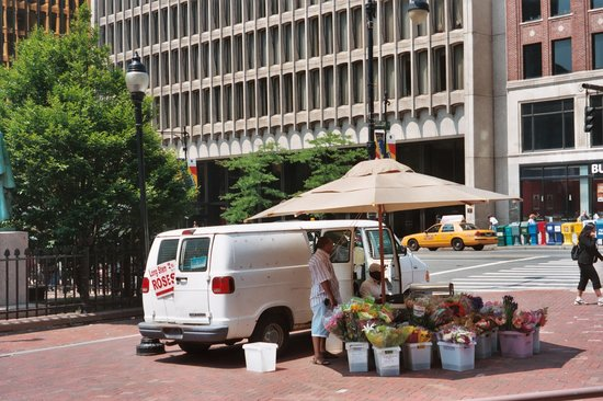 ‪Hartford Downtown Farmers' Market‬