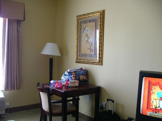 BEST WESTERN Heritage Inn: desk