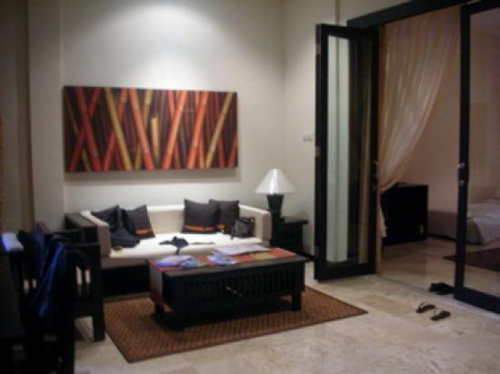 The Seri Suites: living room