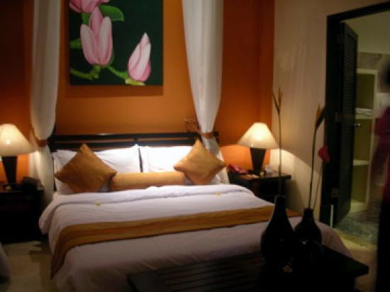 The Seri Suites: bedroom