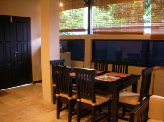 The Seri Suites: dining area