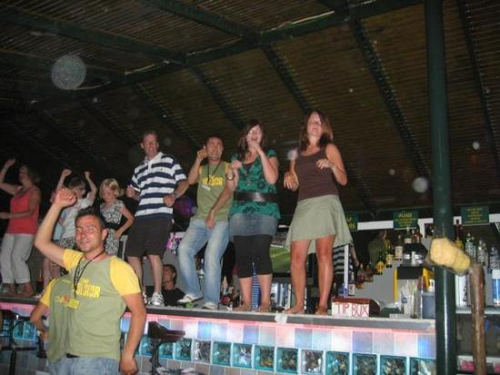 Club Exelsior: Dancing on the bar!! well good fun