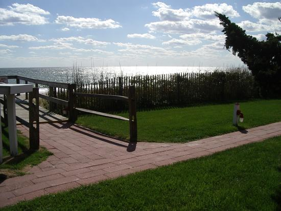 Panoramic View: pathway down to beach