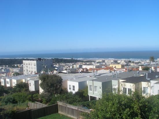 Ocean Beach Bed and Breakfast : The View from the Bedroom