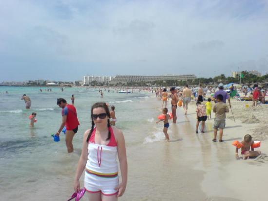 Protur Bonaire Aparthotel: Fantastic beach at Cala Millor