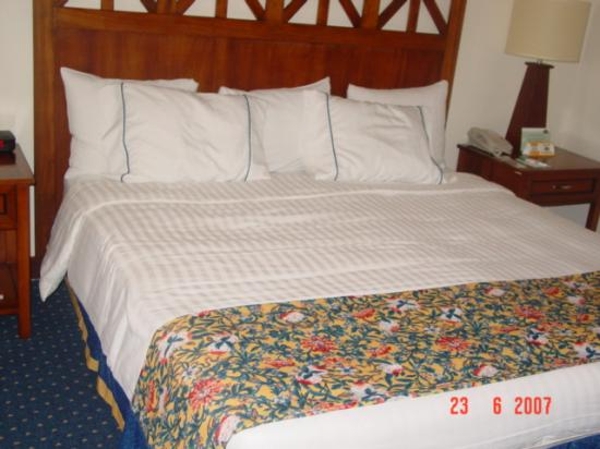 Courtyard Port of Spain: room