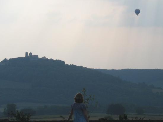 Hotel Crispol : View of Vezelay