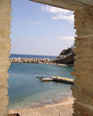 George Hotel: Therma beach - view from (very) old abandoned house