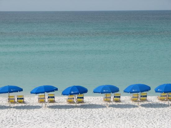 Embassy Suites by Hilton Destin - Miramar Beach: Beach across from hotel