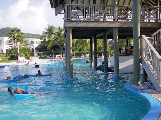 Starfish Jolly Beach Resort Swim Up Bar