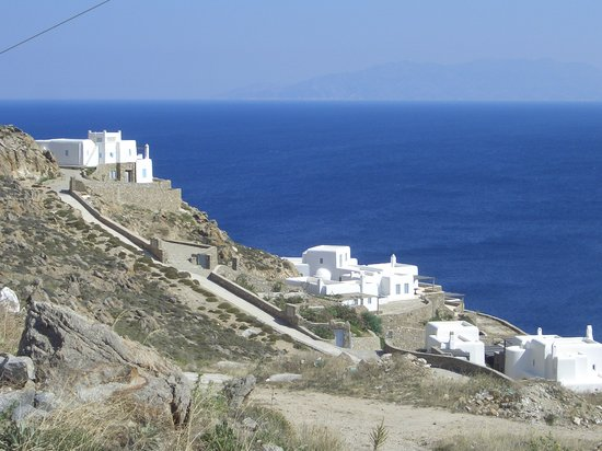 Cyclades, Greece: casette verso super paradise